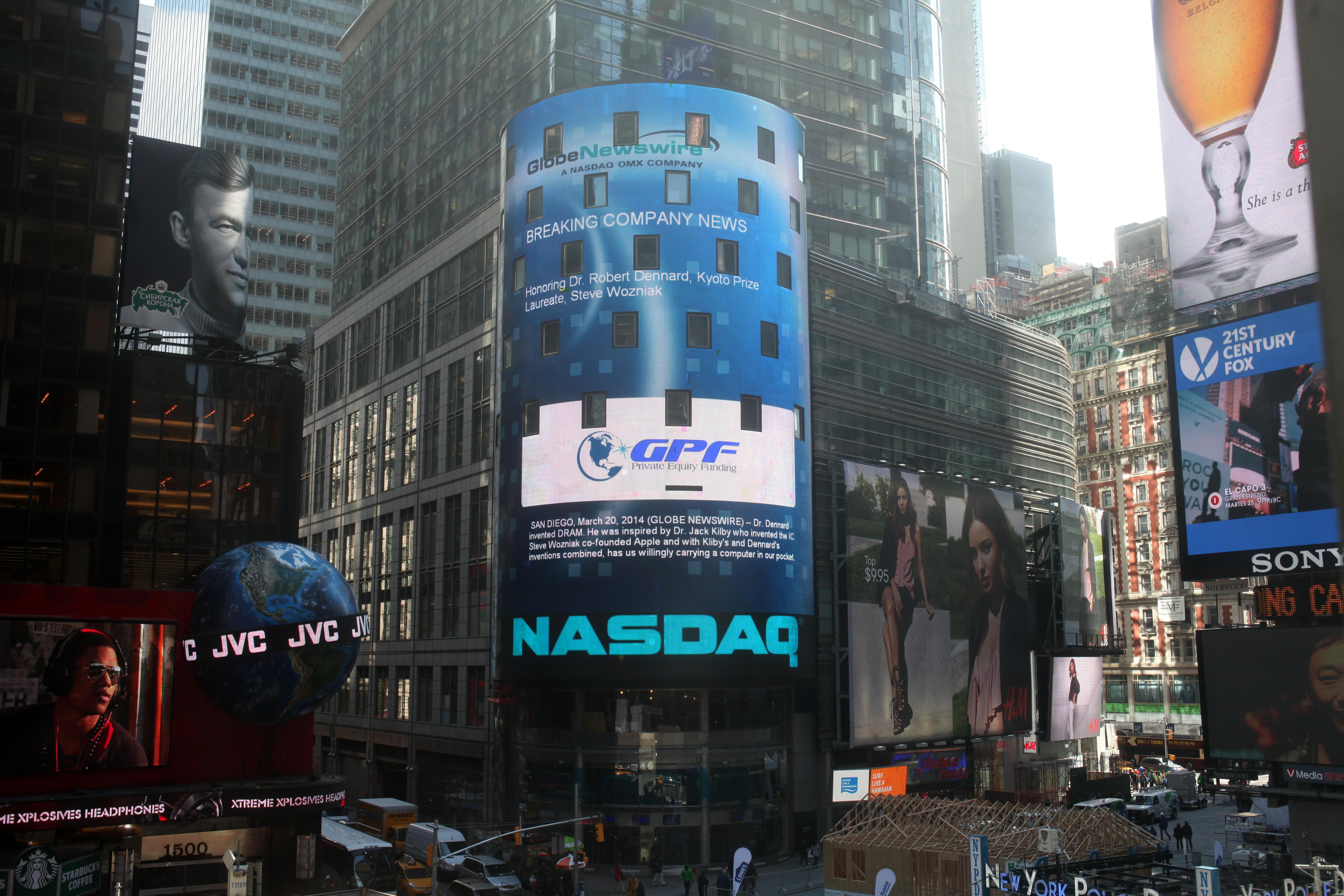 Dennard-Wozniak on NASDAQ Times Square